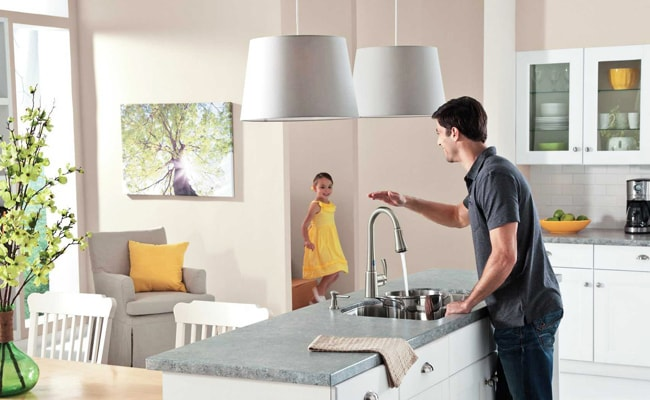Touchless-kitchen-Faucet