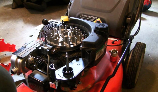 Types-of-Lawn-Mower-Engines