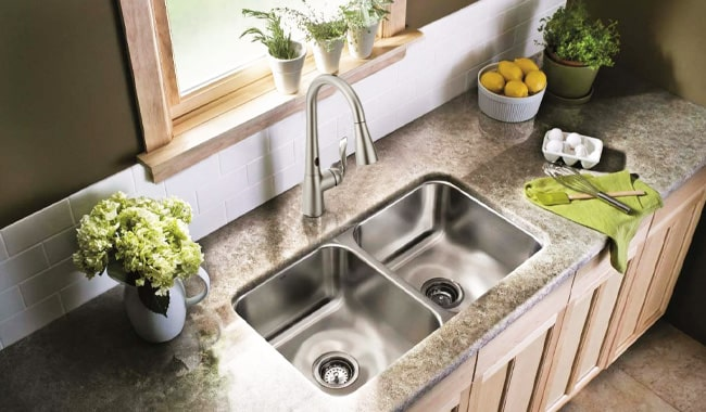Moen-7594ESRS-Arbor-Kitchen-Faucet-Review