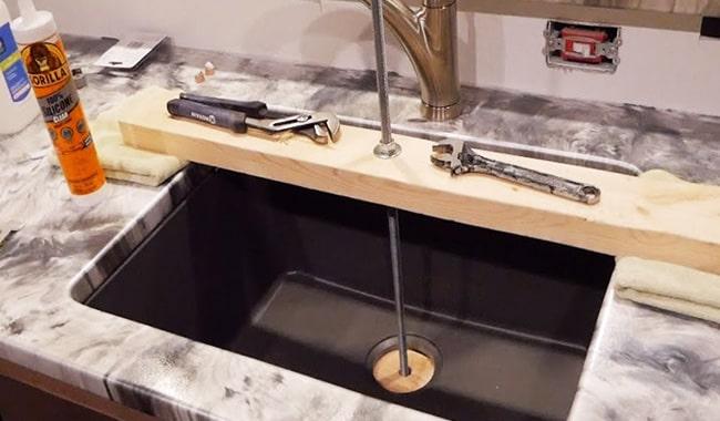 install-undermount-sink-on-granite-countertop