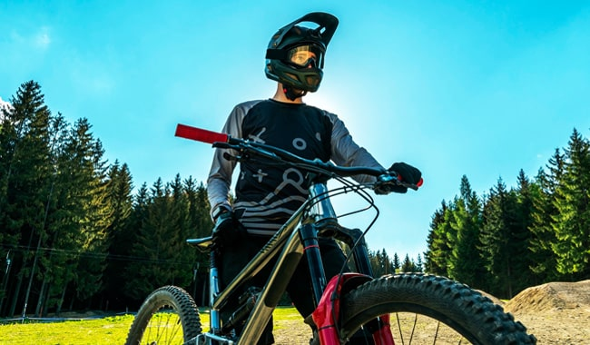 mountain-bike-with-suspension-fork